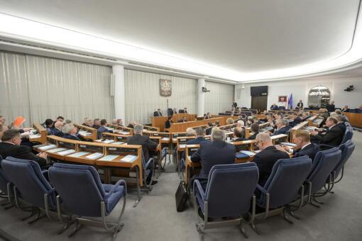 61acabd19e12a Dziesiątki poprawek zgłosili senatorowie w czasie debaty w Senacie nad  ustawą budżetową na 2018 rok. Poprawki musi teraz rozpatrzyć senacka  komisja budżetu ...