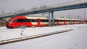 Śnieg zablokował pociągi