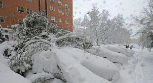 Intensywne opady śniegu na północy Hiszpanii (PAP/EPA)