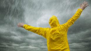 Polacy wymyślili nowy sposób walki z deszczem. Dzięki zimnej plazmie